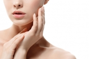 4 Ways to Keep Your Hands and Nails Youthful