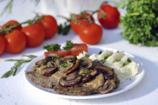Healthy Steak and Mushrooms with Mashed Potatoes