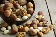 6 Healthiest Nuts Everyone Should Be Eating